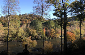 Fall Things To Do in Blue Ridge, GA | Cabin Rentals of Georgia | fall foliage along the Toccoa River and Cherokee Indian Fish Trap
