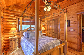 Blue Ridge Lakewalk | Blue Ridge Luxury Cabin Rentals | Cabin Rentals of Georgia | Queen Bedroom w/ four poster bed