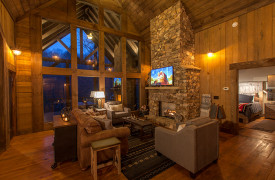 Creekside Bend | Blue Ridge Luxury Cabin Rental | Cabin Rentals of Georgia | King Master on Main