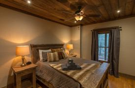 Creekside Bend | Blue Ridge Luxury Cabin Rental | Cabin Rentals of Georgia | Terrace Level Queen Bedroom