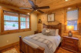 A Rustic Elegant Retreat | Blue Ridge Luxury Cabin Rentals | Cabin Rentals of Georgia | Queen bedroom with luxury bedding