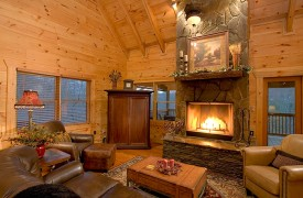 A Rolling River Cabin   Cabin Rentals of Georgia   Living Area