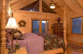 A Rolling River Cabin | Cabin Rentals of Georgia | Exquisite Furnishings