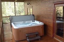 Aska Adventure Outpost | Cabin Rentals of Georgia | Hot Tub