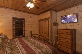 Master Bedroom | Down By The River | Cabin Rentals of Georgia