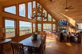 Arcadia | Cabin Rentals of Georgia | Spacious Great Room