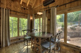 A Mayfly Lodge & Treehouse | Cabin Rentals of Georgia | Treehouse Dining
