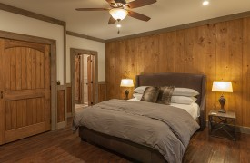 A Mayfly Lodge & Treehouse | Cabin Rentals of Georgia | King Suite with ensuite bath on Main Level