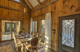 A Mayfly Lodge & Treehouse | Cabin Rentals of Georgia | Dining Area