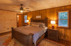 Above the Timberline | Cabin Rentals of Georgia | King Suite