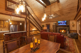 Above the Timberline | Cabin Rentals of Georgia | Cozy Dining Area