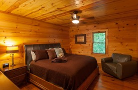 The River's Edge | Cabin Rentals of Georgia | Upstairs King Bedroom