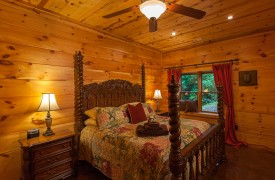 The River's Edge | Cabin Rentals of Georgia | Terrace Level King master Suite