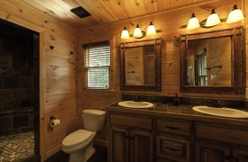 Bella Vista Lodge | Cabin Rentals of Georgia | Luxurious Bathroom