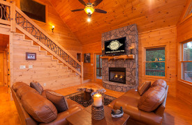 Bella Vista Lodge | Cabin Rentals of Georgia | Spacious Living Area
