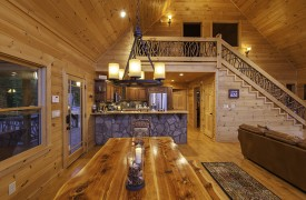Bella Vista Lodge | Cabin Rentals of Georgia | Dining Area
