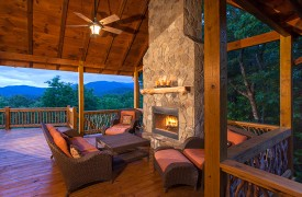 Bella Vista Lodge | Cabin Rentals of Georgia | Outdoor Fireplace