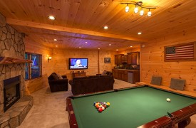 Bella Vista Lodge | Cabin Rentals of Georgia | Wet Bar, Fridge, Microwave