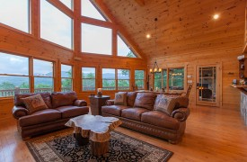 Bella Vista Lodge | Cabin Rentals of Georgia | Spacious Great Room