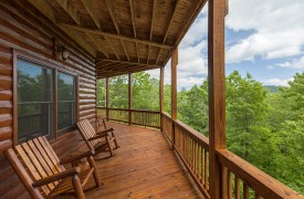 Bella Vista Lodge | Cabin Rentals of Georgia | Perfect Spot For Coffee