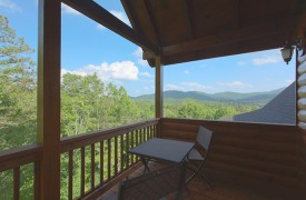 Bella Vista Lodge | Cabin Rentals of Georgia | Private Balcony