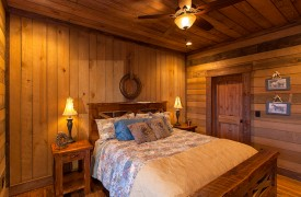 Cohutta Sunset | Cabin Rentals of Georgia | Terrace Level King Suite