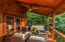 Royal Mountain Lodge | Covered Porch | Cabin Rentals of Georgia