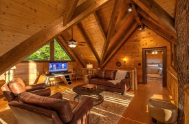 Royal Mountain Lodge | Upstairs Living Room | Cabin Rentals of Georgia