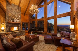 Royal Mountain Lodge | Living Room | Cabin Rentals of Georgia