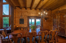 Royal Mountain Lodge | Dining Room | Cabin Rentals of Georgia
