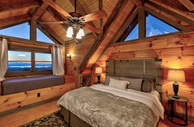 Royal Mountain Lodge | Upstairs King Suite | Cabin Rentals of Georgia