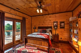 Royal Mountain Lodge | Terrace Queen Suite | Cabin Rentals of Georgia