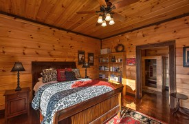 Royal Mountain Lodge | Blue Ridge Lake View Cabin | Cabin Rentals of Georgia