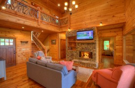 High Hopes | Cabin Rentals of Georgia | Living Area