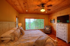 High Hopes | Cabin Rentals of Georgia | King Master Suite on Main Level w/ TV