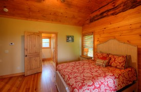 High Hopes | Cabin Rentals of Georgia | Upstairs Queen Suite w/ Ensuite Bath