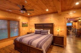 High Hopes | Cabin Rentals of Georgia | Terrace Level King Suite