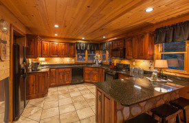 Blue Ridge Bliss | Cabin Rentals of Georgia | Spacious Kitchen