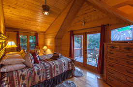 Blue Ridge Bliss | Cabin Rentals of Georgia | Upstairs Queen Bedroom