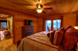 Blue Ridge Bliss | Cabin Rentals of Georgia | King Master Suite on Main