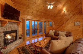 Happy Ours Lodge | Cabin Rentals of Georgia | Cozy Living Area