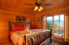 Happy Ours Loge | Cabin Rentals of Georgia | Main Level King Bedroom
