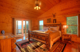 Happy Ours Loge | Cabin Rentals of Georgia | Upper Level King Suite