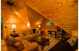 Riverview Lodge | Cabin Rentals of Georgia | Loft Sitting Area