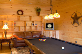 Aska Adventure Outpost | Cabin Rentals of Georgia | Game Room