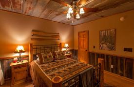 Blue Ridge Lake Sanctuary | Cabin Rentals of Georgia | Terrace Level Queen Bedroom