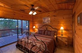 Hiwassee River Buffalo Ridge | Cabin Rentals of Georgia | King Master