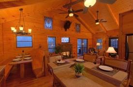 Hiwassee River Buffalo Ridge | Cabin Rentals of Georgia | Main Floor Area