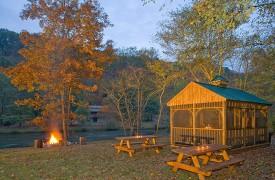 A Rolling River Cabin | Cabin Rentals of Georgia | Community Picnic Area