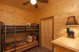 Arcadia | Cabin Rentals of Georgia | Terrace Level Bunk Beds